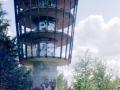On se torni vaan iso, allekirjoittanut näkyy tuolla tornin edessä jos tarkkaan kattoo.